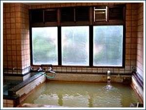 地下700mから自噴の天然温泉大浴場キャセイの湯