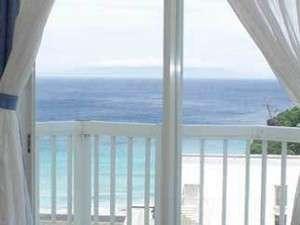 2Fツインルームからの眺望。窓を開けると波音が聞える・・・
