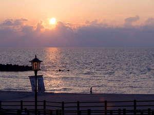 【庄内浜夕景】日本の夕陽百選にも選ばれた庄内浜が誇る絶景