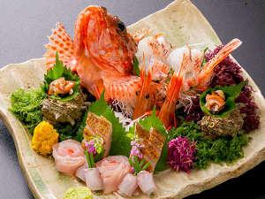【料理イメージ】「旬のお造り盛合せ」庄内浜で獲れた新鮮な海の幸を召し上がれ♪