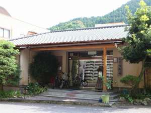 河津七滝温泉郷の玄関口にある7室だけの宿です