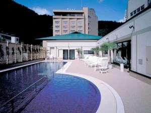 ◆4F 屋外プール/遊具・ロッカーの貸出も行っております(夏季のみ営業)