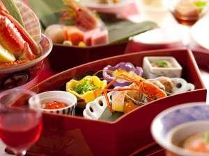 ◆彩花膳・献立例/旬の珍味を盛り付けた前菜は、まさに宝石箱