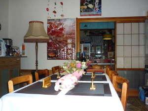 食堂・談話室(24時間お茶、珈琲、紅茶等が自由にお飲み頂けます)