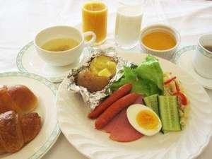 美瑛産食材をつかったヘルシーな朝食☆朝食は7時~9時まで。