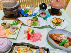 贅沢なよくばりグレードアッププラン 常陸牛陶板焼きとあわびソテーとキンキ煮と地魚磯料理最高。