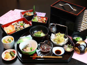 ■春-笹倉 最上級コースで贅沢に。春の訪れを感じる鮮やかな料理たち