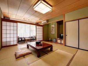 *部屋 和の感性が息づく落ち着いた空間。