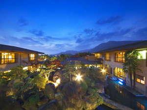 石和温泉 蒼き木々に風渉り水澄む銘庭の宿 ホテル甲子園:写真
