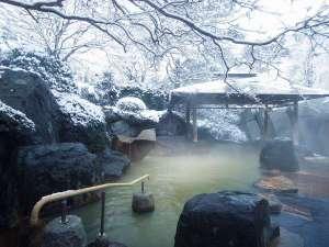 非日常を味わえる♪雪の露天風呂。