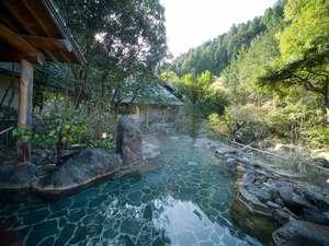 姉妹旅館「椎葉山荘「しいばの湯」は山間の露天風呂:入浴料無料・送迎有