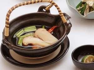 『秋御膳』会席の松茸土瓶蒸しは人気の一品♪