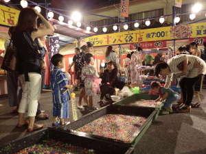 子供から大人まで楽しめる玉造温泉夏祭り。夜店も充実♪