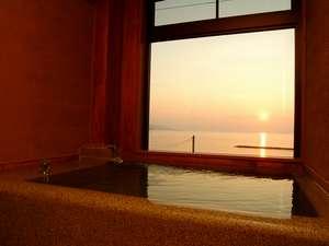 4室限定 天然温泉と夕日を一人占めするプライベートな空間 [石風呂付客室]