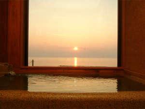 4室限定◆展望温泉石風呂付客室、温泉と絶景日本海を独り占め[一例]
