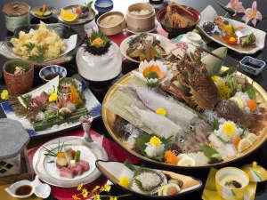 【夕食】玄界灘を食べつくし(匠味プラン)イカと造りは4名様盛りです。