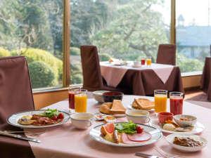 【ビュッフェ朝食】壮観の庭園を見ながらの和洋ビュッフェをお楽しみ下さい