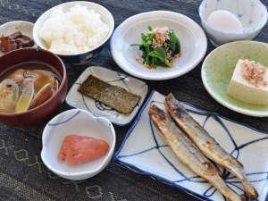 【朝食一例】和定食をご用意しております。