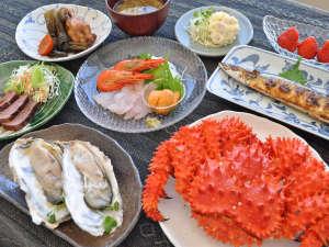 【夕食一例】浜中の旬鮮をお楽しみください。※花咲ガニは1杯付かない場合がございます。