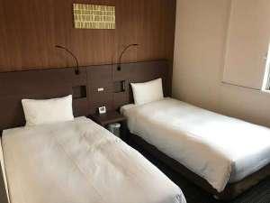 ツインベッドルーム100cm幅のベッド×2台