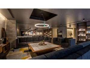■新設のリビングロビーは客室以外の「もう1つの居場所」音楽もお楽しみ頂けます。