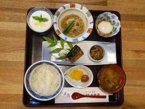 【ご朝食】上山産の野菜を取り入れた体に優しい和定食です ※イメージ