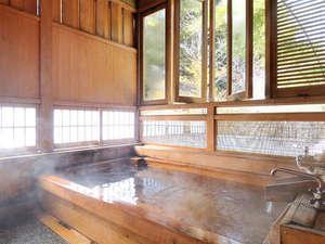 山王院【鶴】源泉掛け流し温泉の檜風呂付き客室