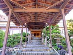 下関で一年中新鮮なふぐ料理を堪能できる旅館 みもすそ川別館