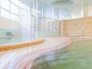 【大浴場】カルルス温泉は心と身体にやさしく、肌にやわらかい温泉と評判です。