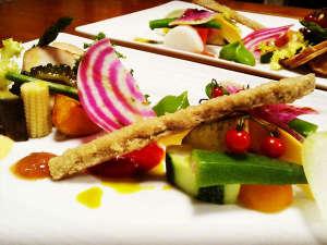 彩り鮮やかな板長手作り旬の料理(一例)