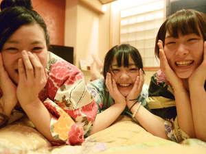 【和室15帖】最大8名様までご宿泊が可能な、ゆったり広めの客室です(一例)