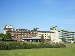 十勝川温泉第一ホテルは雄大な十勝川と日高山脈を望むロケーション。十勝の自然を満喫してください。