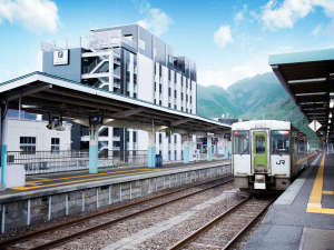 釜石駅に隣接し、三陸観光の拠点に最適