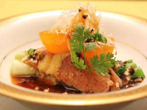 【料理例】旬の味覚をたっぷり味わえるお食事となっております。