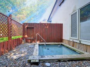 *露天風呂/自慢の露天風呂は24時間入浴OK!北海道の大地から吹く心地よい風と共に温泉をお愉しみ下さい。