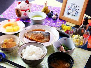 日替わり夕食 サバの味噌煮定食