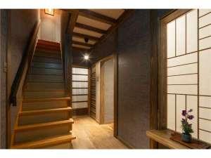 京都一棟貸し町屋旅館「華・心斎居」