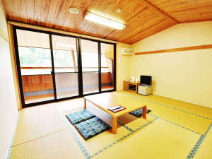 *【日本間】川のせせらぎが聞こえる客室
