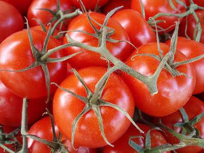 赤く なる なると 医者 が が トマト 青く