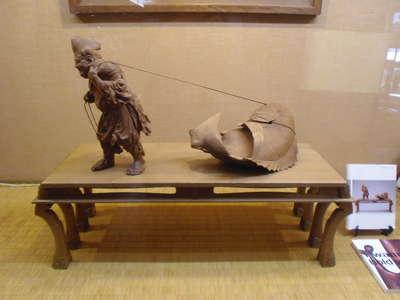 抱きしめたい!近代日本の木彫展...