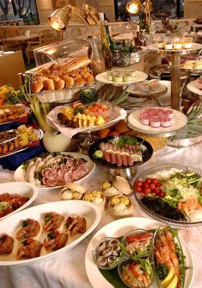 ディナーバイキング「世界の料理...