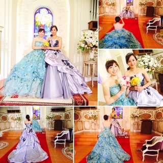 昨日はきれいなお二人がドレス体験をしてくださいました! 鏡の前でドレスを合わせてみたり、 そっちが似合うよー!