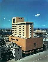 繁華街古町に達つハイグレードなシティホテル