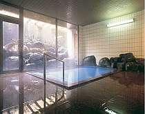 内湯大浴場 24時間入浴可能 天然温泉大浴場はアウト後でも入浴が可能