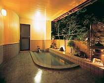新装の貸切露天風呂(2浴室)は無料で楽しめる(宿泊客のみ)