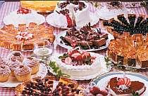 日替わりで12種用意される食べ放題のケーキ・デザート