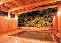 離れの露天風呂夜23時までご利用いただけます。