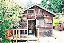 [写真]木の温もり。自然の中の山小屋体験