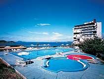 7月中旬オープン予定!隣接するプールで水遊び!大人用プールと子供用プール有りご宿泊の方はご利用無料!