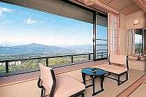 広縁から大パノラマが楽しめる最上階のお部屋一例(一例)